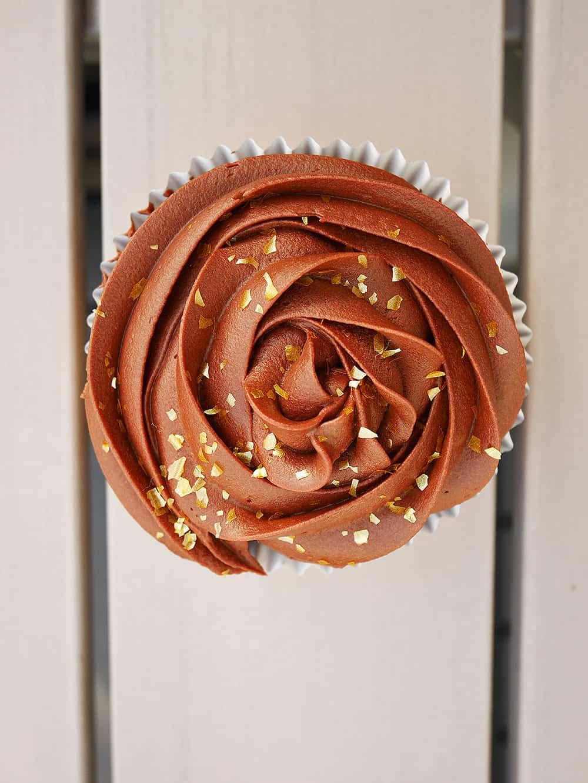 chokladcupcake-stående-singel