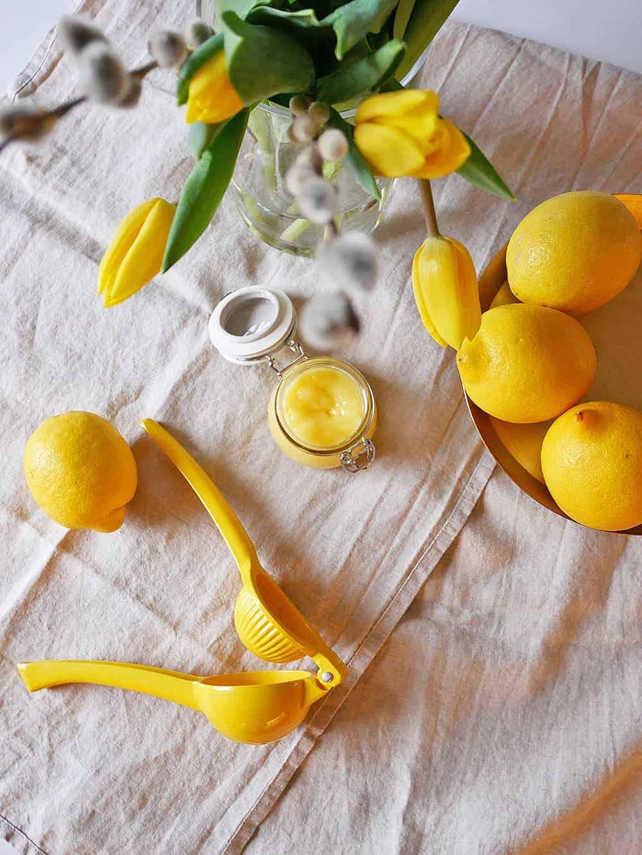 lemoncurd-standing-1