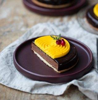 bakelser med chokladmousse och saffransmousse-4